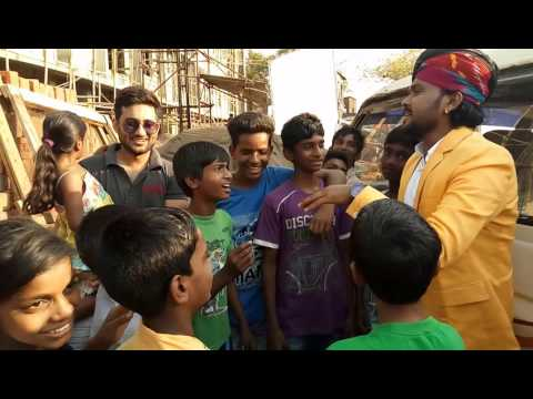 Swaroop Khan trains the BiggerThanLife NGO kids!