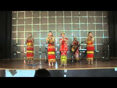 VG GB Juara FL2SN Kalimantan Barat Tahun 2011 (Payung Fantasi-Dara Amutn)