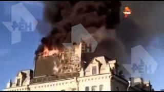 Пожарные потушили возгорание рекламного щита в центре Петербурга, 28 июня 2015(28 июня 2015 | Пожарные потушили возгорание рекламного щита в центре Петербурга., 2015-06-28T23:42:52.000Z)