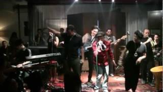 Maliq & D'essentials ft. Kyriz Boogiemen - Free Your Mind ~ Funk Flow @ Mostly Jazz 25/11/11 [HD]