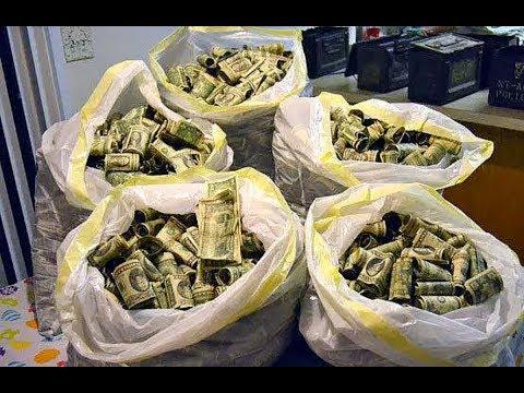 Эти мешки с деньгами нашёл мужик в подвале своего дома! Невероятные находки в собственном доме!