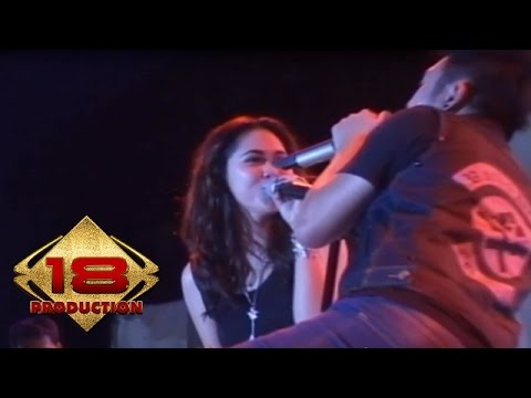 Five Minutes - Semakin Ku Kejar Semakin Kau Jauh   (Live Konser Tasik 31 Maret 2012)
