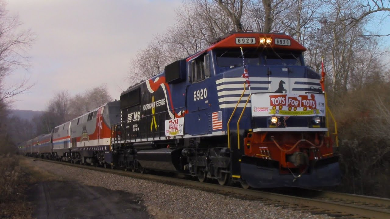Train Toys For Tots : Hd chasing the toys for tots train from binghamton