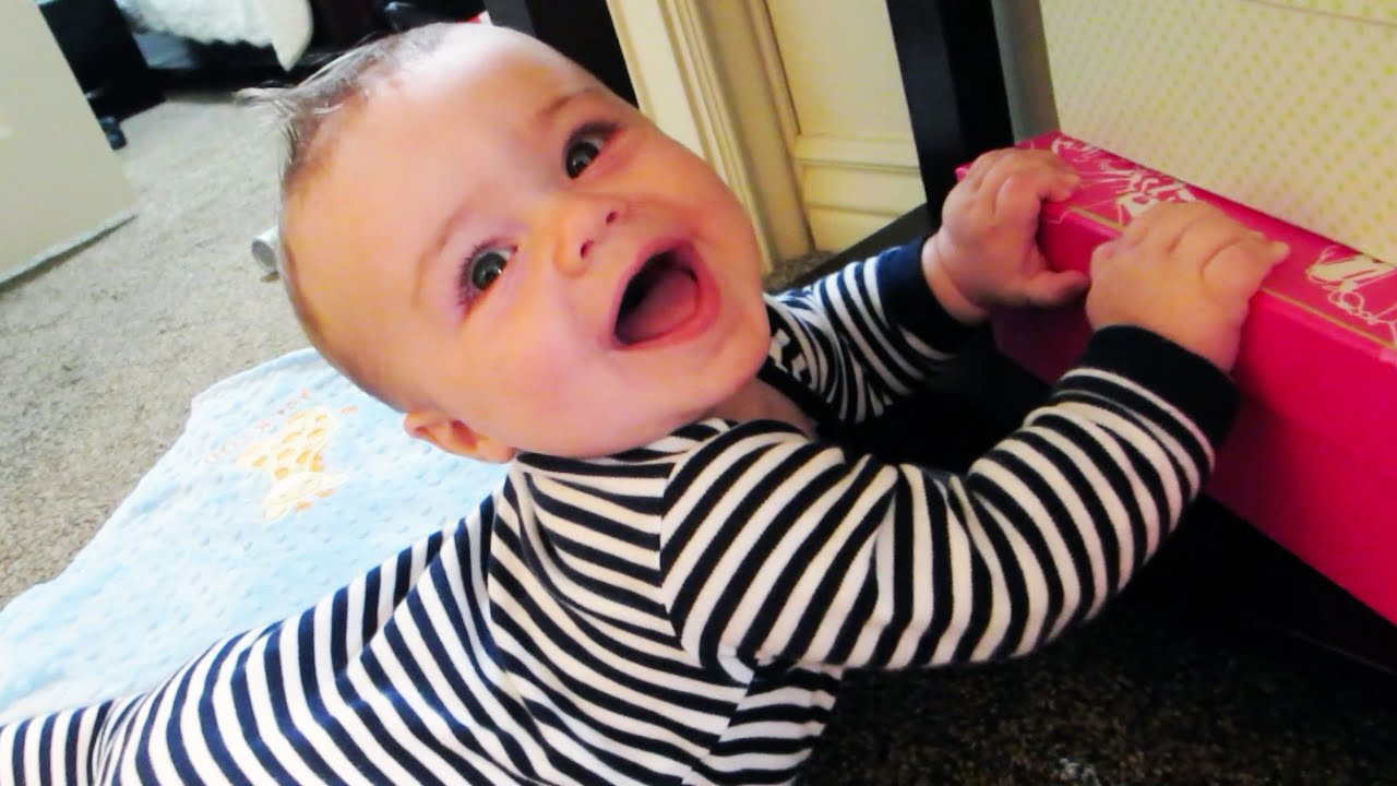 Busy Baby Is Happy!! - YouTube