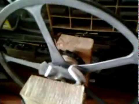 alternateur 220v manuel fait avec une pompe eau electric motor to generator 220v youtube. Black Bedroom Furniture Sets. Home Design Ideas