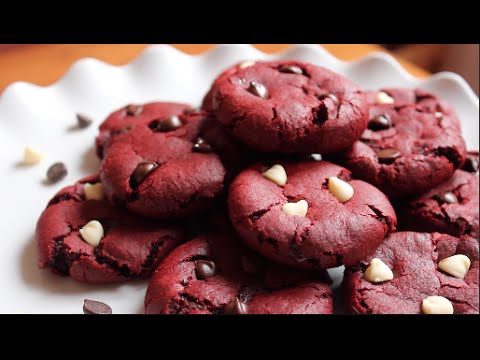 Red Velvet Cookies | SweetTreats