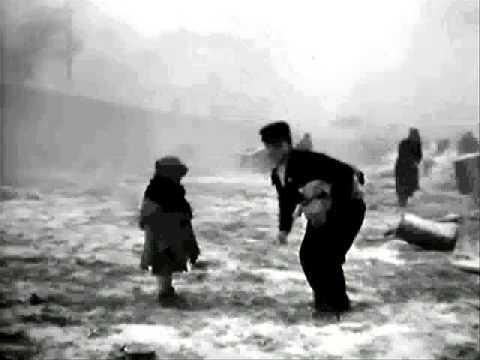 Miracle in Milan 1953 Vittorio De Sica   passage porte