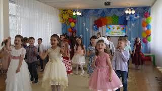 "Танец с мамами Мама Мария-Д.сад ""Тополёк"""