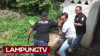 Download Video Begal Motor Sembunyi di WC saat Digerebek di Lampung Timur MP3 3GP MP4