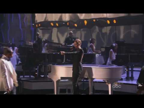 Jay-Z Feat. Alicia Keys - Empire State Of Mind  LIVE @ AMA's 2009 HD
