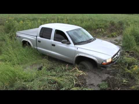 Branden's 2004 Dodge Dakota Mudfest