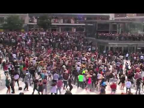 Видео: Флеш моб памяти Майкла Джексона  Flesh of mob memory of Michael Jackson
