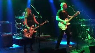 Apulanta feat. Mandy - Silmämuna (Tavastia live)