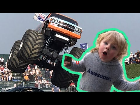MONSTER TRUCKS AND STUNTS AT SANTA POD RACEWAY 2019 - monster trucks for kids