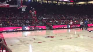 Lobo basketball: Sam Logwood dunk (first round)