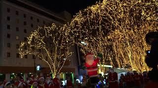 毎年仙台で12月23日に行われる「サンタの森の物語」パレードの1回...