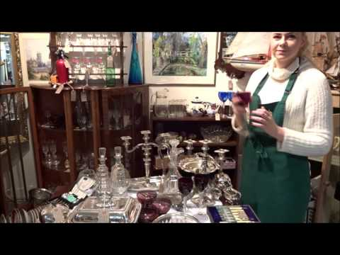 Warwick Market - Antiques Collectables and Jewellery