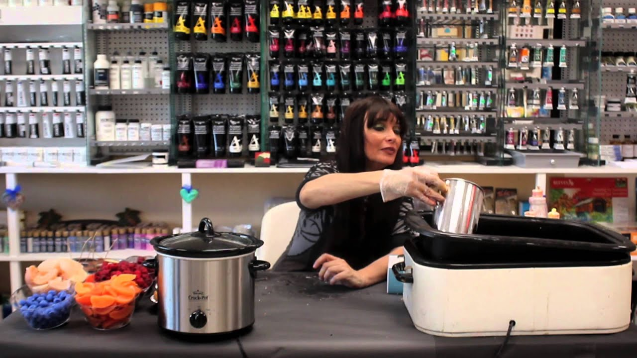 How to Make Cupcake Candles : Candle Making - YouTube