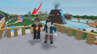 ROBLOX: EXTREME WATER SLIDES with MY MOM and I at the WATER PARK!