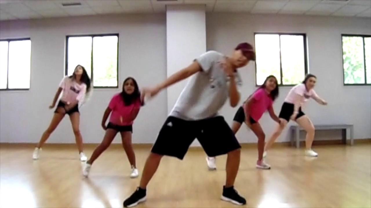 Flashmob Mi Gente 27aug17 Youtube