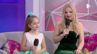 Amelia Uzun and Ana Cernicova speaking at Vorbe bune cu Lilu
