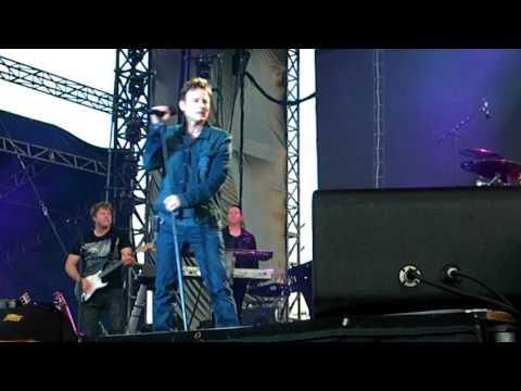 Entire Corey Hart concert in PEI, Canada.