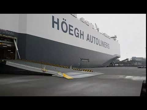 Monday Quiz: Which port is Höegh Traveller moored? - YouTube