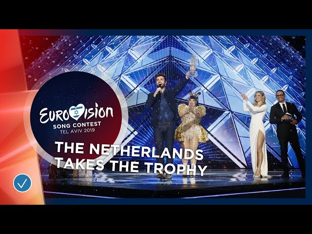 Duncan Laurence takes the Eurovision Trophy! ???????? - Eurovision 2019