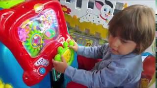 Gambar cover Fatih Selim ve yusuf oyun alanındaki bütün oyuncaklara tek tek biniyorlar