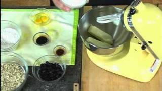 Splenda® Sweeteners - Crispy-chewy Oatmeal Raisin Cookies