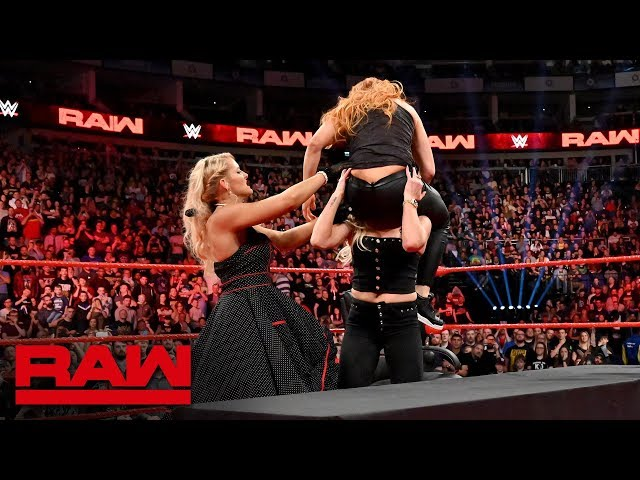 HINDI - Dual Women's Title Match contract signing turns chaotic: Raw, 13 May, 2019