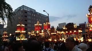 2018年7月20日、埼玉県熊谷市での熊谷うちわ祭りでの初叩き合い。 熊谷...