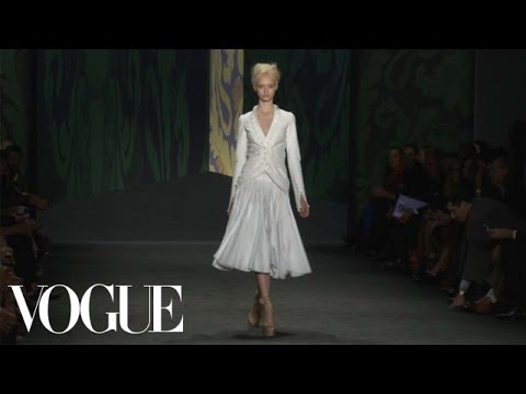 Vera Wang Ready to Wear Spring 2013 Vogue Fashion Week Runway Show