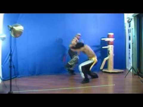 Ving Tsun - Wooden Dummy - Wing Chun (Teaching demonstration