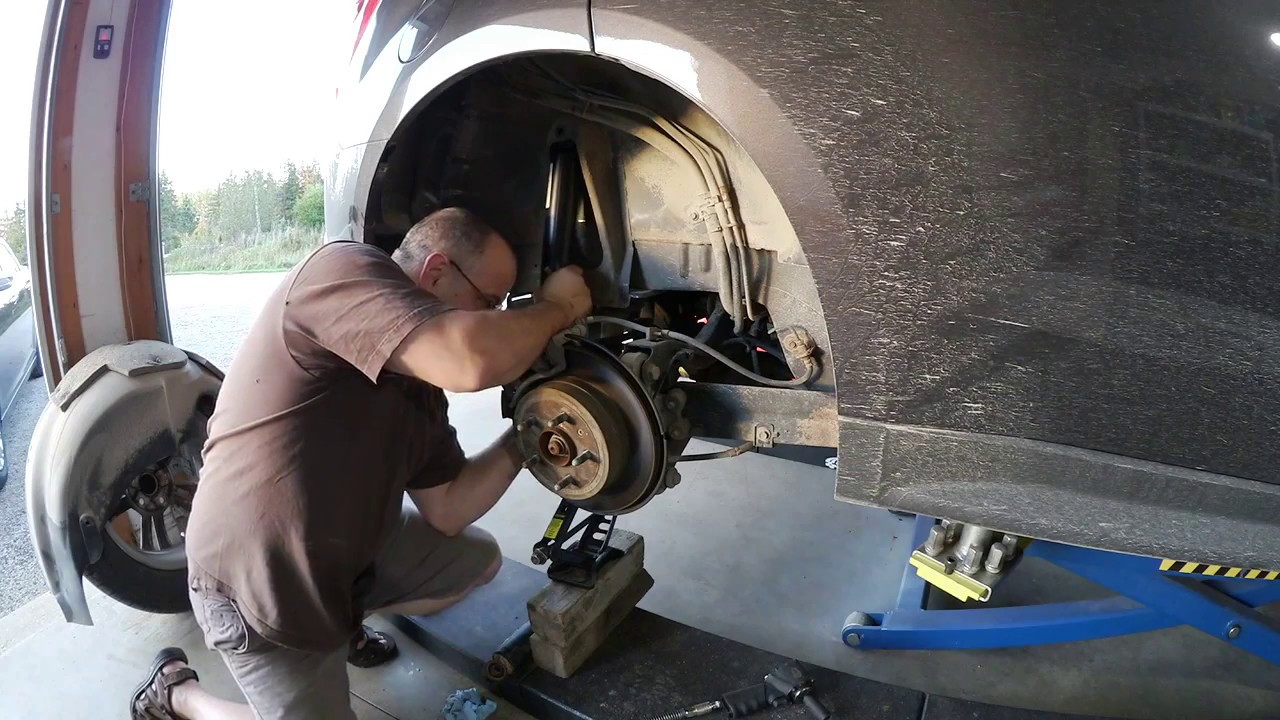 2014 chevy equinox rear shock replacement youtube 2005 Chevy Equinox Rear Drum Brake Diagram 2014 chevy equinox rear shock replacement