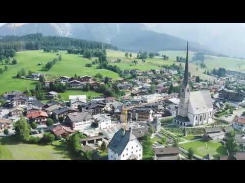Liebherr - Turmdrehkrane: Krankulisse in Maria Alm, Österreich