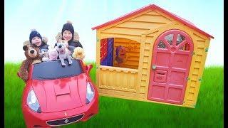 Ричард и Ринат ищут спрятанные игрушки