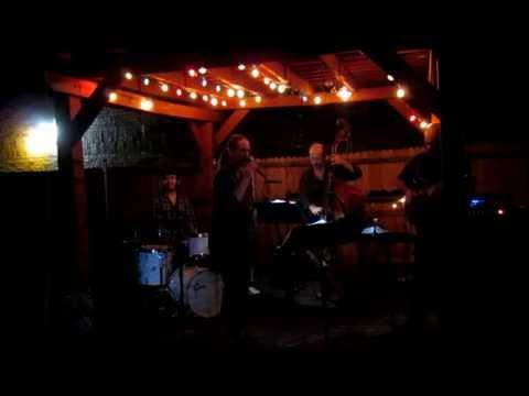 Carolyn Lee Jones sings Spooky at The Whitehouse Oct 2014