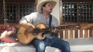 Julion Álvarez Acapella- Aqui Andamos de Regreso
