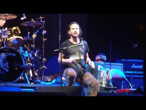 Eddie Vedder and Ben Harper at ACL 2009
