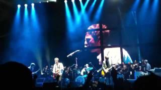 (I wanna live in a dream in my)record machine. Noel Gallagher