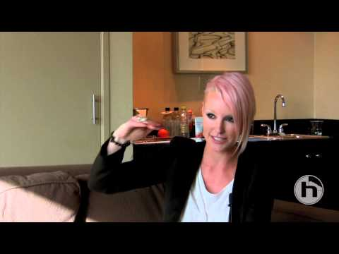 Using TC-Helicon Vocal Effects - Interview with Emma Hewitt