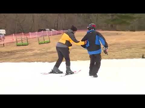 Eunice and Steph go for gold in downhill skiing