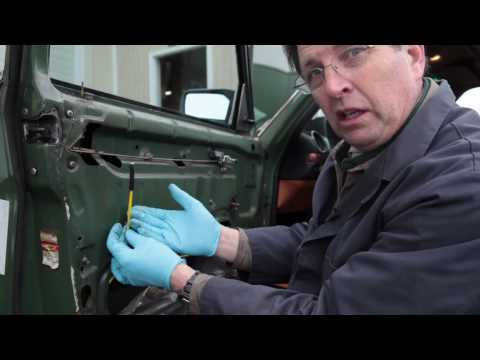 Mercedes 123 Vacuum Door Lock Diagnosis Tip by Kent Bergsma - YouTube