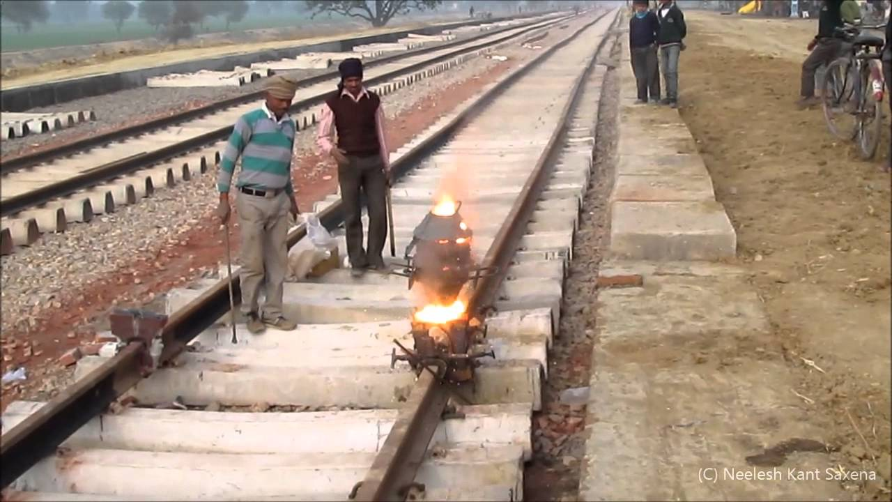 Indian Railway Thermite Welding Full Procedure - YouTube