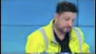 Vexé de ne pas avoir la parole, un Gilet jaune quitte le plateau de BFMTV en direct !