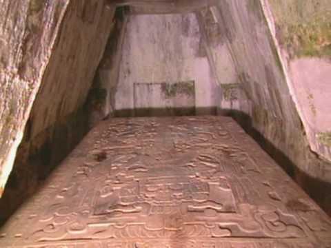 Reproducción de la tumba de Pakal en el Museo de Sitio de Palenque, Chiapas / 2007