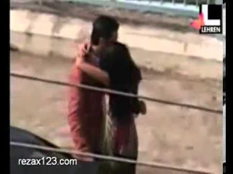Katrina Kaif Ranbir kapoor kissing MMS scandal(mediafire link of HOT bollywood scandals) thumbnail