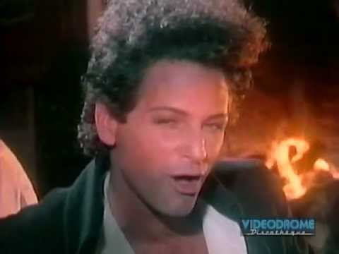 Клип Lindsey Buckingham - Slow Dancing