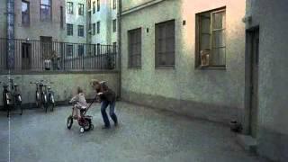 Смотреть клип песни: Агата Кристи - Серое небо